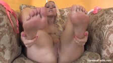 Foot fetish fun with cute blonde Vanessa Cage